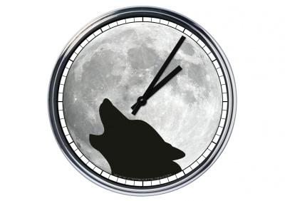 Orologio da parete in acciaio  Lupo con luna piena